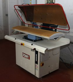 Pneumatic Presse Model LAV-R1