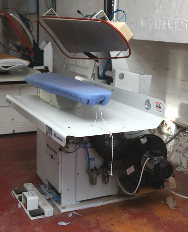 Italian laundry press