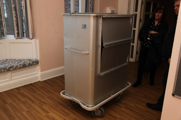 Laundry / bedding trolley