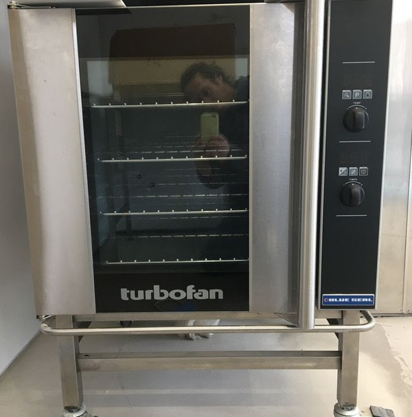 Blue Seal E32D4 Single Phase Oven and Stacking Kit