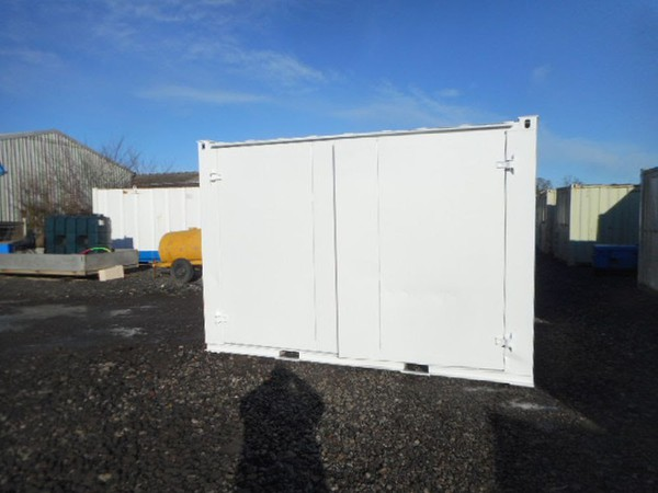 Fork lift able container