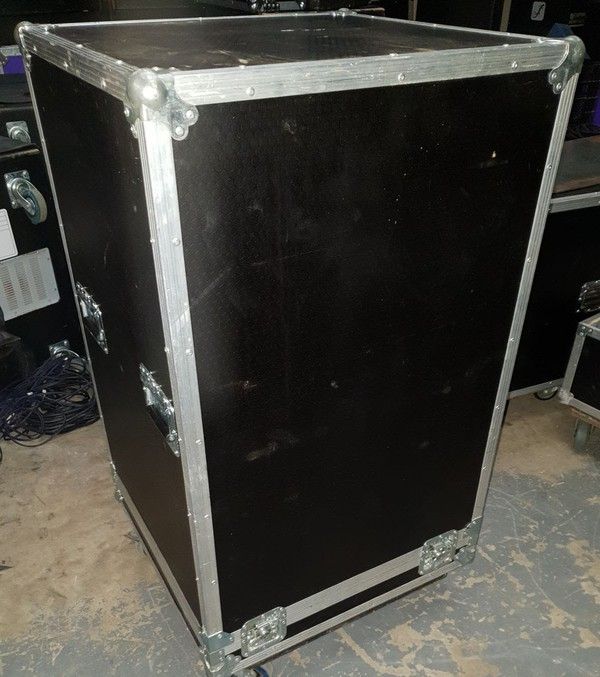 Second Hand Axiom Line Array PA system