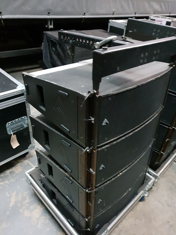 Used Axiom Line Array PA system