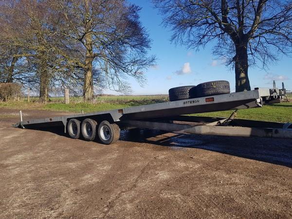 Bateson tilting car trailer