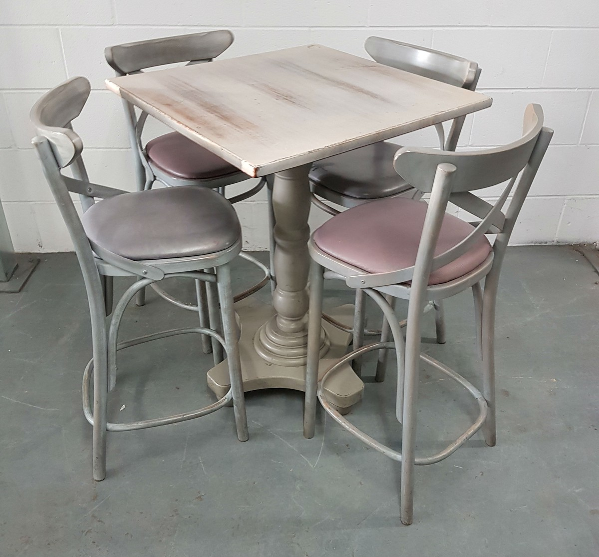 Bar Table And Chairs For Sale: Secondhand Chairs And Tables