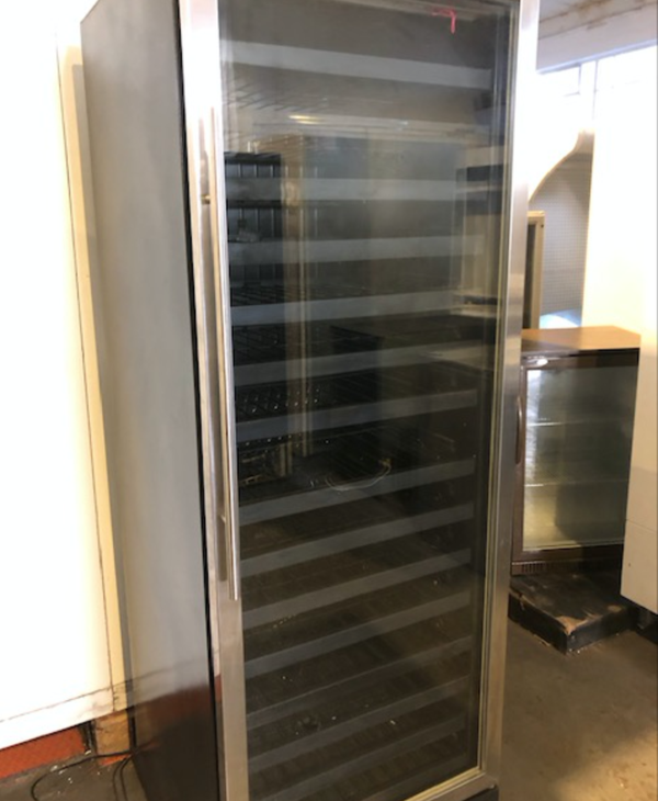 Wine display chiller