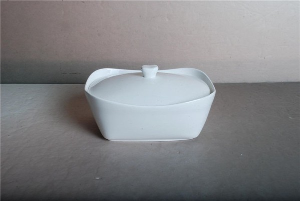 Porcelain serving dishes for sale