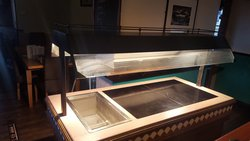 Heated gantry carvery counter