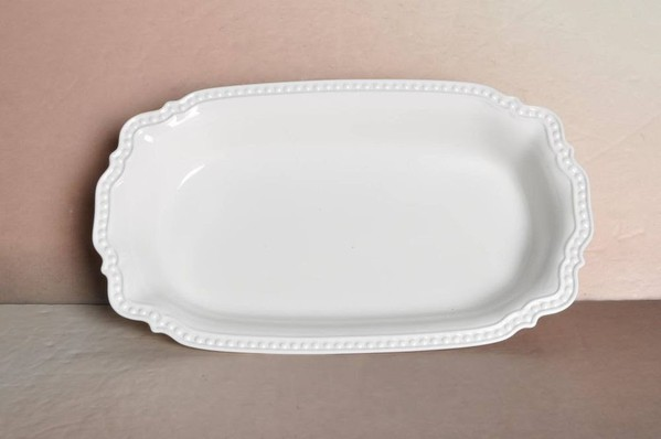 Porcelain rectangular serving dish