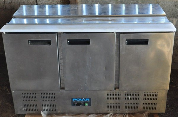 refrigerated preparation counter