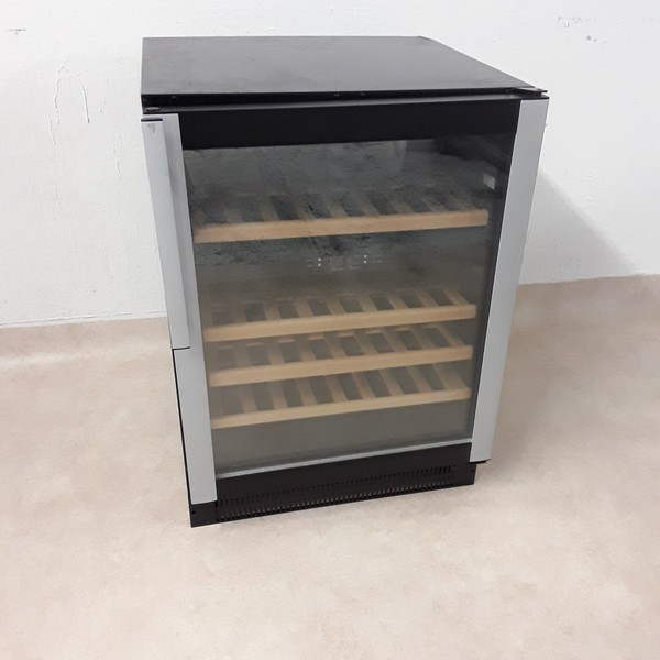 New B Grade  W45 Wine Fridge (8244)