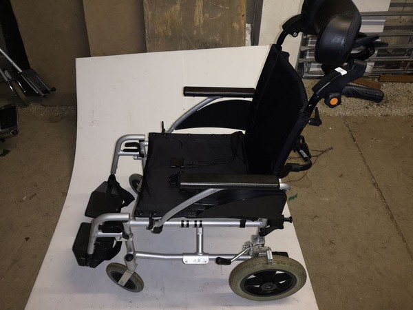 Light weight wheel chair