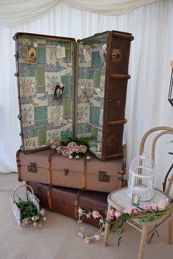 Vintage props for weddings