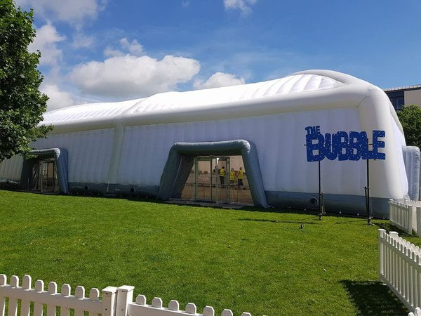 Inflatable marquee structure