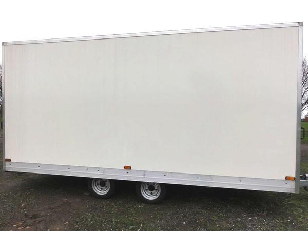 5m White exhibition trailer
