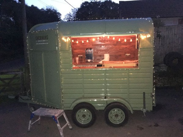 Superb fully equipped horse box based cafe bar