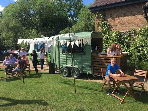 Superb fully equipped horse box based cafe bar with website