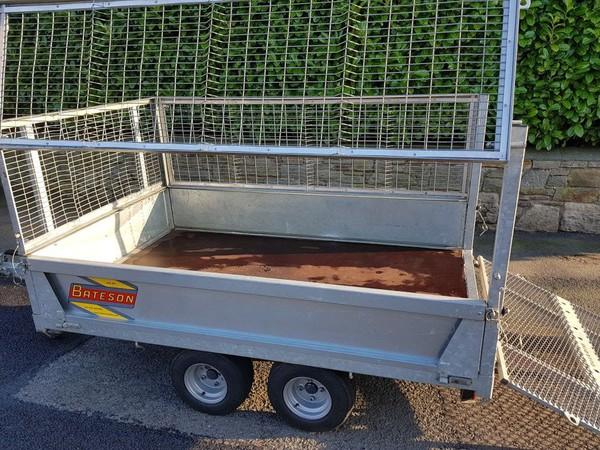 Side loading mesh side trailer