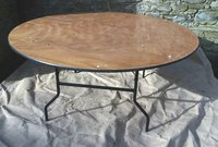 """5Ft 6"""" Round table for sale"""