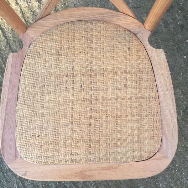 Woven seat base