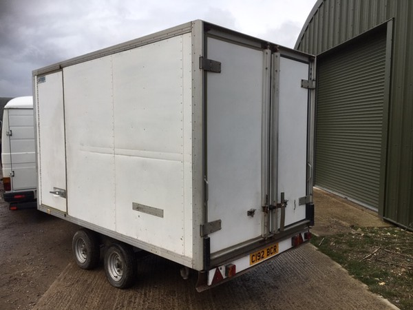 13fr catering trailer