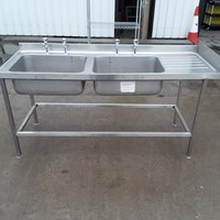 Double catering sink on a stand