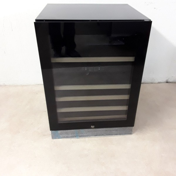 New B Grade Panther S703002 Wine Fridge (8345)