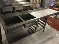 Double sink with tray rack