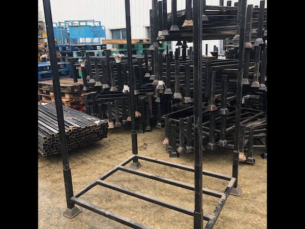 Used stillages