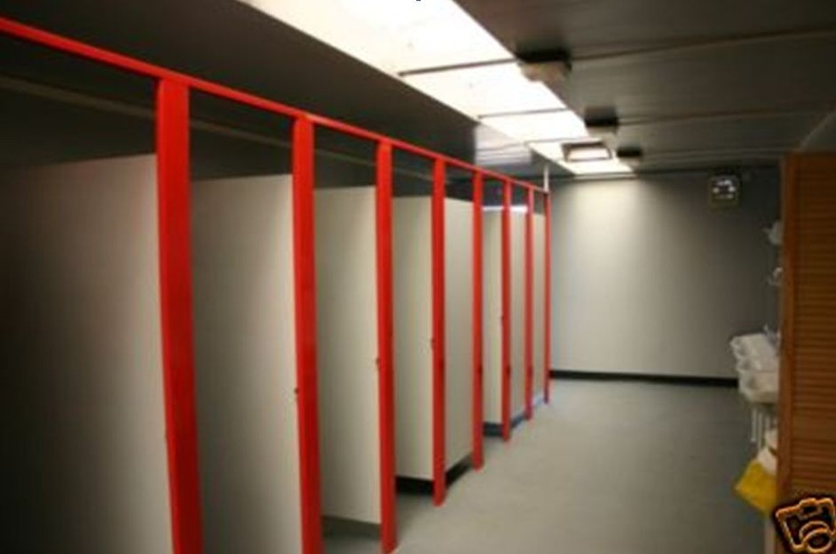 Secondhand Portable Buildings | Portable Shower Blocks | 30ft x 30ft ...