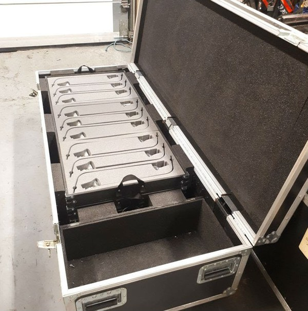 Flight case with stand lighting