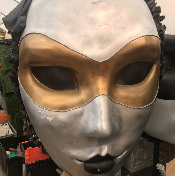 Secondhand giant props for sale