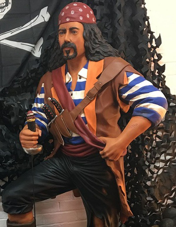 Pirate with striped shirt