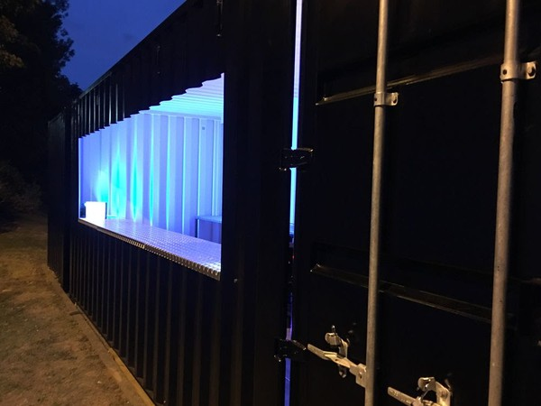 Mobile shipping container bar