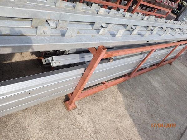 Aluminium rafters / steel flooring system