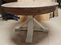 Solid wood dinging table