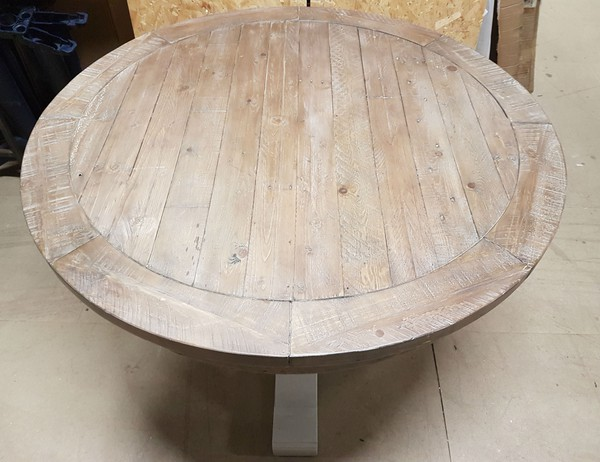 Plank top round table