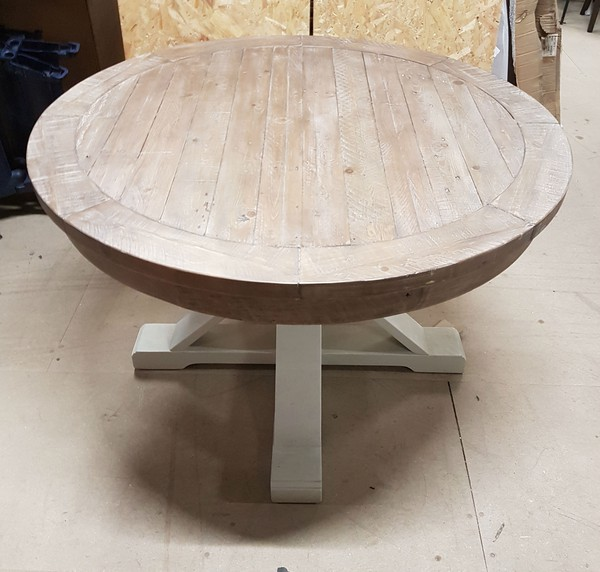 Shabby Chic Rustic Style Round Tables