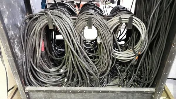 Event power distribution cables