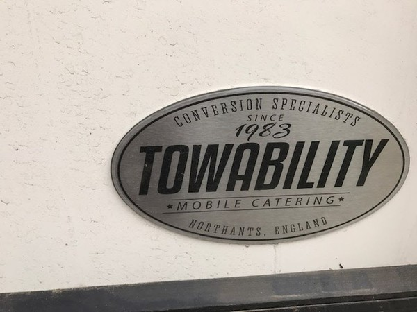 Towability mobile catering