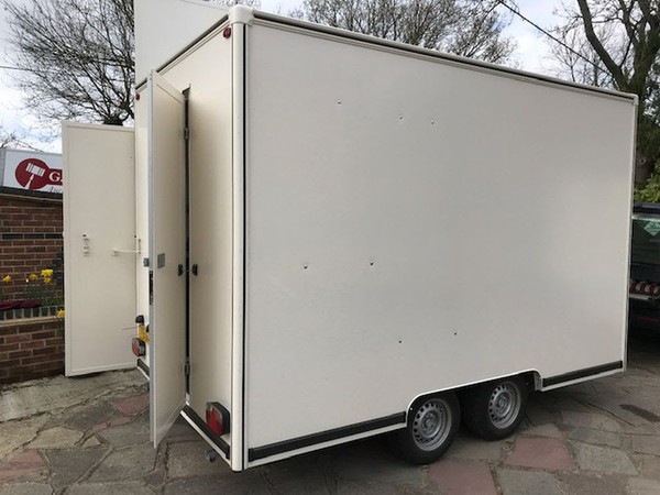 Twin axle catering trailer