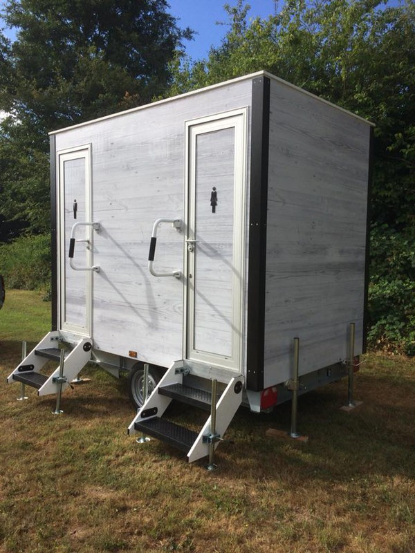1+1 Luxury Toilet Trailer