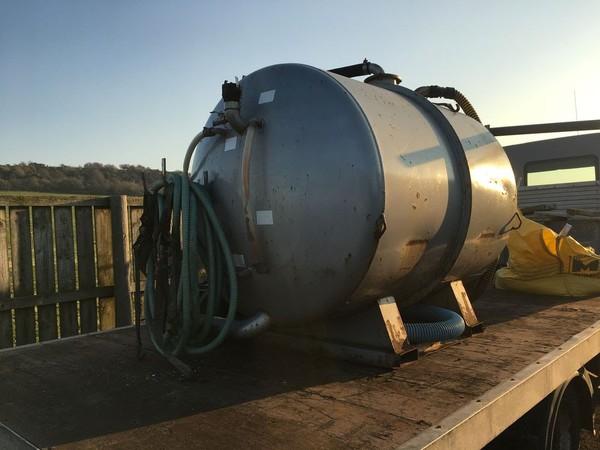 Skid mounted Vacuum tank