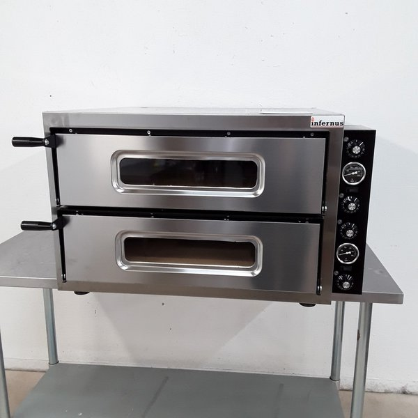 Two deck pizza oven