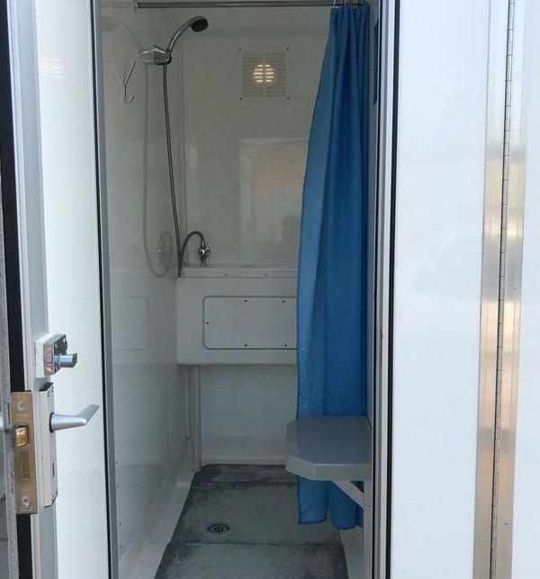 4 bay Shower cubical trailer