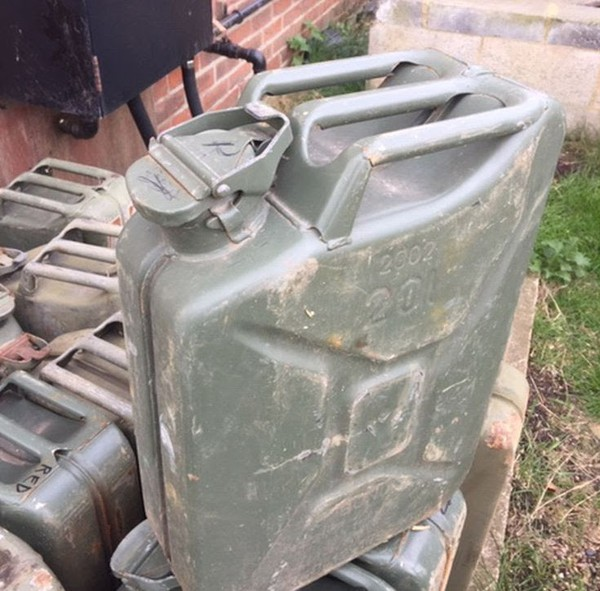 Job Lot 60x Fuel Tins / Jerry Cans