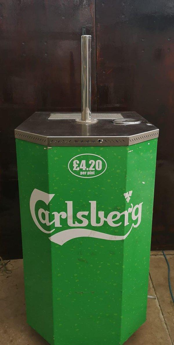 Beer cooler / bar / taps