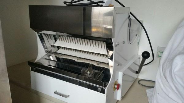 Delta Bakery Bread Slicer