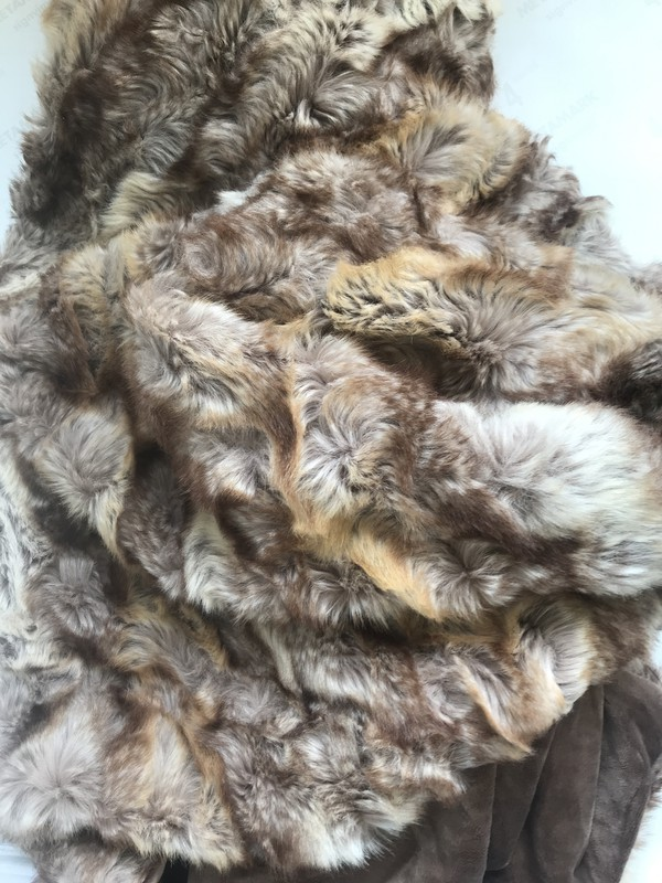 Light brown faux fur 1m x 1.5m