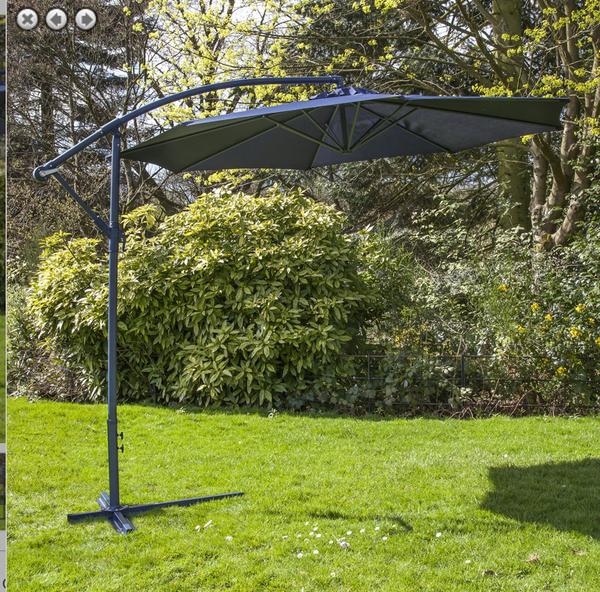 Blue cantilever parasol